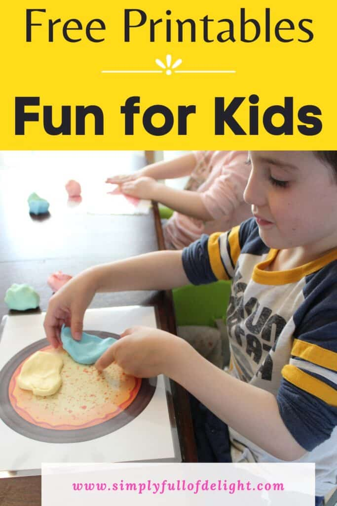 Free Printable playdough mats - Fun for Kids