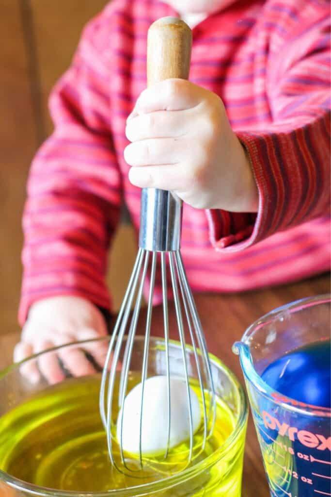 Easter egg dying hack - Easter crafts for kids