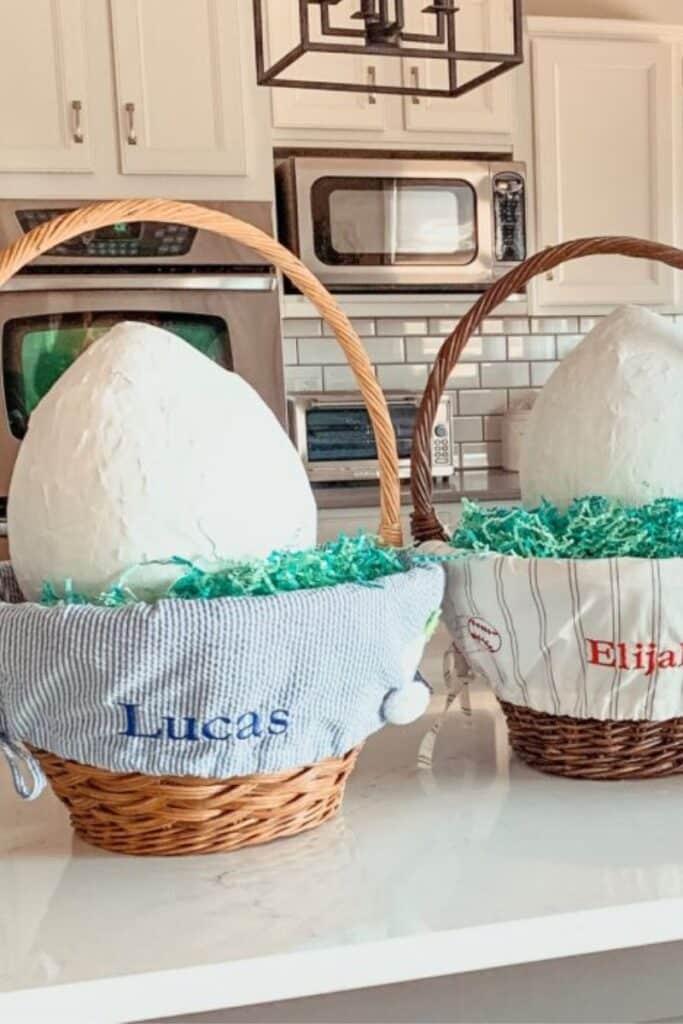 paper mache eggs - Easter craft ideas