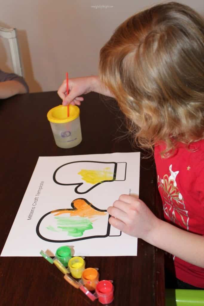 Painting the Mitten Craft  - free mitten template