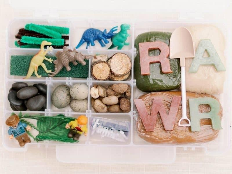 Dinosaur sensory kit