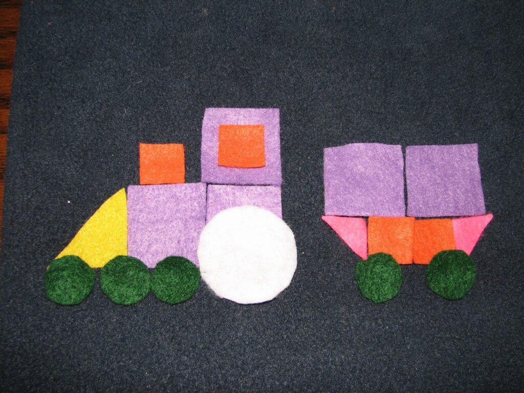 Geometric shapes train - shapes activities for toddlers and prek